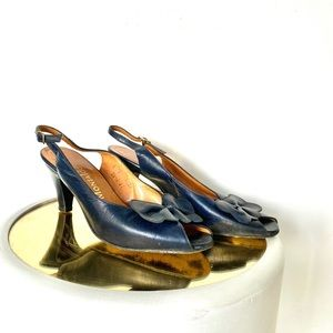 Shoes - Vintage navy peep toe sling back kitten heels